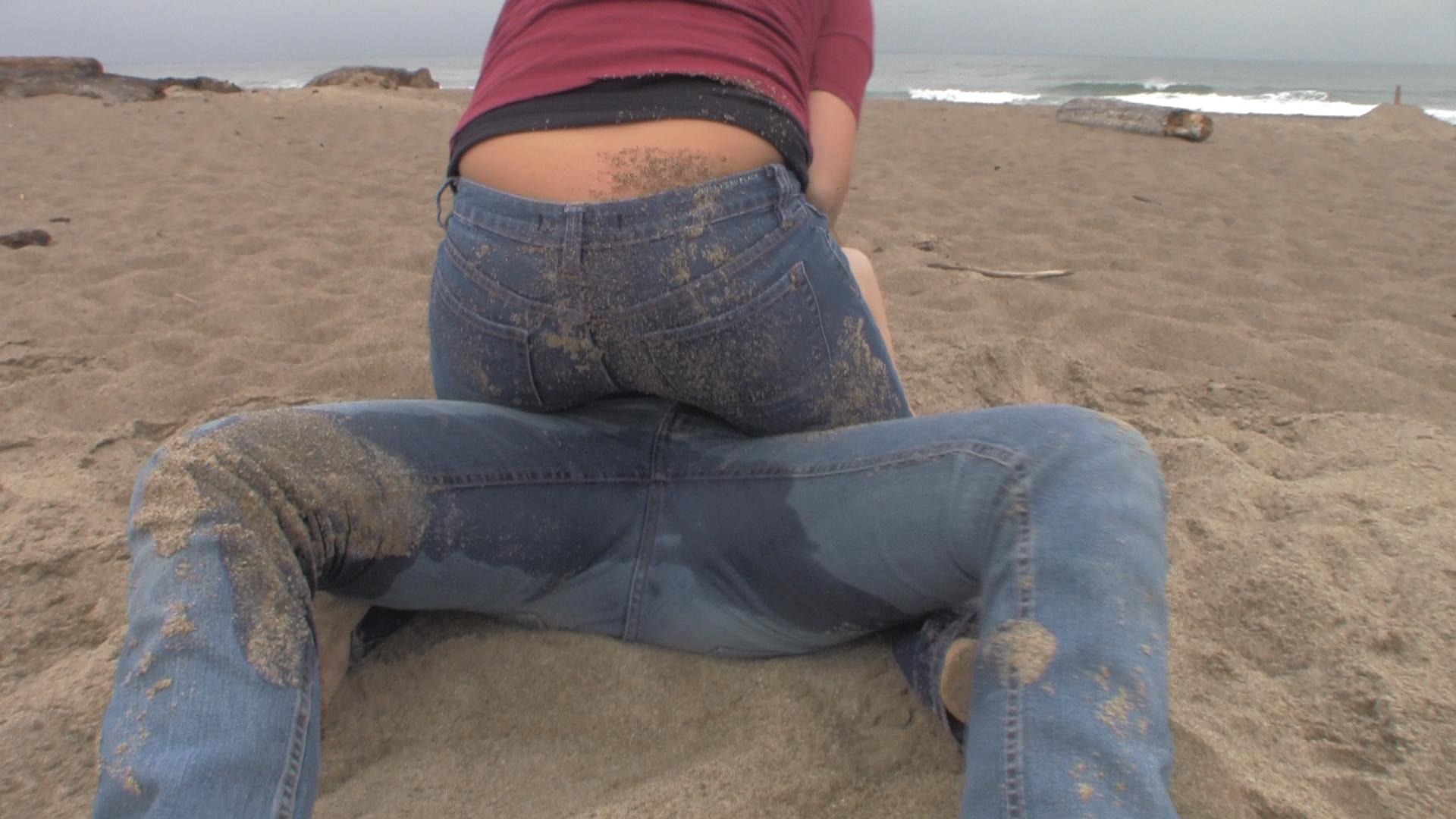 сет достоин грязные штаны у девушек очень ласковая брюнетка