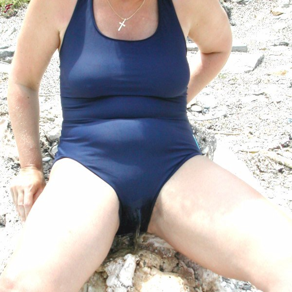 peeing in her swimsuit